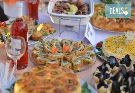 Нова година 2019 на брега на Черногорската ривиера! 4 нощувки cъс закуски и 3 вечери в Magnolia 4*, транспорт, водач и целодневна екскурзия до Дубровник - Снимка 13