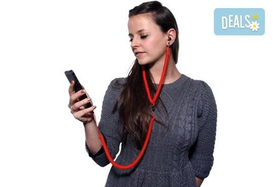 Забавни и нестандартни червени слушалки за мобилен телефон