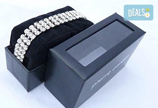 Нежен подарък за любимата жена! Гривна Pierre Cardin с кристали Swarovski в сребристо! - Снимка 1