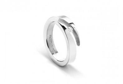 Красота и нежност! Вземете елегантен женски пръстен, изработен от титан! - Снимка