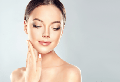 Сияйна кожа! Дермабразио на лице и регенерираща терапия с маска и ултразвук в студио за красота Secret Vision - Снимка