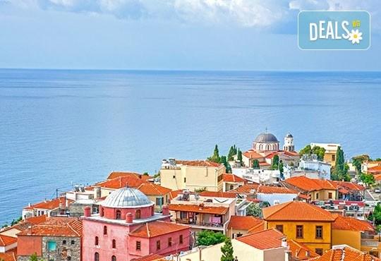 Посрещнете Нова година в Кавала, Гърция! 2 нощувки със закуски в Hotel Nefeli 2*, транспорт и екскурзовод! - Снимка 2