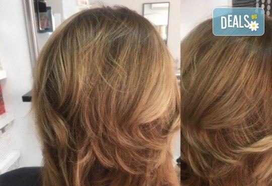 Кератинова или дълбоко възстановяваща терапия за коса и по желание подстригване и оформяне на прическа със сешоар в Студио за красота BLOOM beauty! - Снимка 4