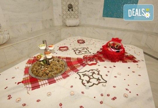 Коледен шопинг в Одрин, Чорлу и Люлебургаз, Турция! 1 нощувка със закуска в Izer Hotel 5*, ползване на вътрешен басейн и сауна, транспорт и включени пътни и гранични такси! - Снимка 11