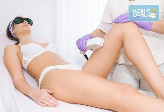 Съвременен и безболезнен метод за гладка кожа! Фотоепилация на цели крака за жени в SAVANA L&G STUDIO! - Снимка 3