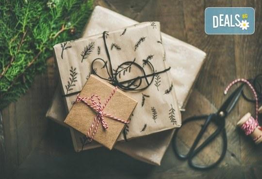 1 или 5 посещения на Арт работилица Цветея - изучаване на декупажни техники и изработване на коледни подаръци! - Снимка 3