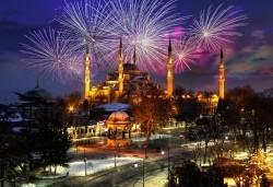 Посрещнете Нова година в Истанбул, Турция! 3 нощувки със закуски в хотел 2/3*, транспорт с дневен преход, бонус посещение на Одрин и нощна автобусна обиколка на Истанбул! - Снимка