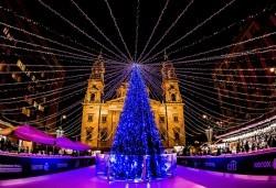 Предколедна екскурзия до Виена и Будапеща с Дари Травел! Самолетен билет София - Будапеща, 3 нощувки със закуски в хотел 2/3*, автобусен транспорт, водач - Снимка
