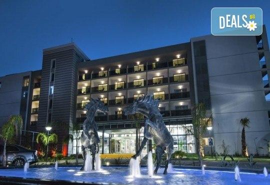 Ранни записвания за почивка през 2019 в Кушадасъ с Тансу Травел! 5 нощувки на база 24ч. All Inclusive в Hotel Palm Wings Beach Resort&Spa 5*, възможност за транспорт - Снимка 2