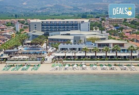 Ранни записвания за почивка през 2019 в Кушадасъ с Тансу Травел! 5 нощувки на база 24ч. All Inclusive в Hotel Palm Wings Beach Resort&Spa 5*, възможност за транспорт - Снимка 1