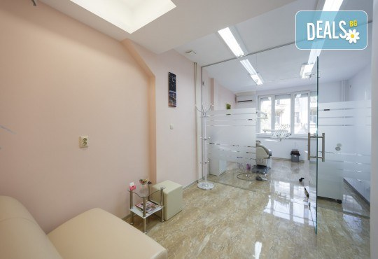 Консултация, поставяне на метални или керамични брекети и профилактичен преглед след поставянето им в DentaLux! - Снимка 5