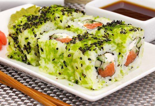 Супер предложение от Sushi King! 50 броя хапки със сьомга, пушена скумрия, нори, авокадо и японски сосове в Суши сет Даймьо! - Снимка 2