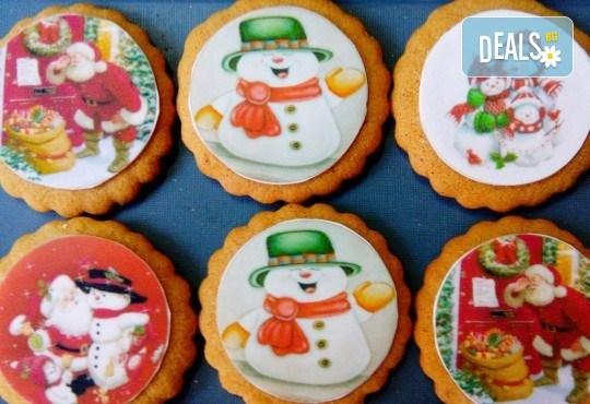 Коледни бисквити със снимка на Дядо Коледа, Снежния човек, джуджета, ангелчета и елхички от майстор-сладкарите на Muffin House! - Снимка 2