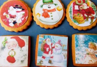 Коледни бисквити със снимка на Дядо Коледа, Снежния човек, джуджета, ангелчета и елхички от майстор-сладкарите на Muffin House! - Снимка