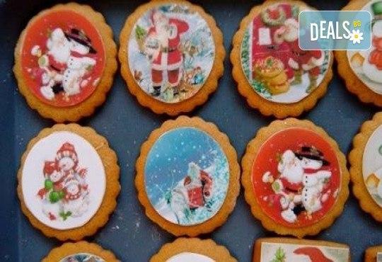 Коледни бисквити със снимка на Дядо Коледа, Снежния човек, джуджета, ангелчета и елхички от майстор-сладкарите на Muffin House! - Снимка 3