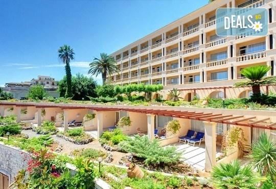 Посрещнете Новата 2019 година на очарователния остров Корфу! 3 нощувки със закуски Hotel Corfu Palace 5*, собствен транспорт - Снимка 2