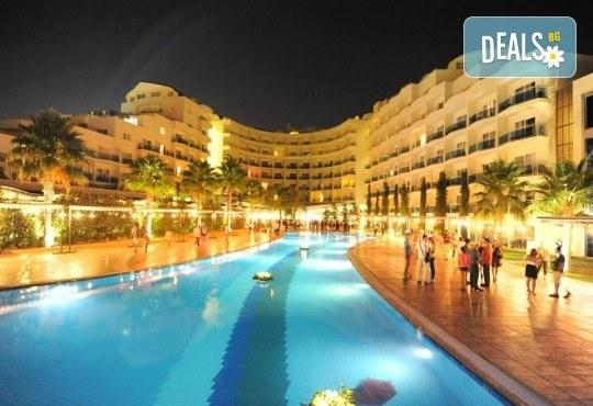 Оферта: Нова година, Sealight Resort Hotel 5*, Кушадасъ: 3 или 4 нощувки 24ч Ultra All Inclusive