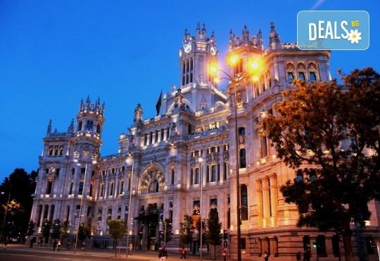 Шопинг фестивал в Мадрид , януари 2019, с Дари Травел! Самолетен билет, летищни такси, 3 нощувки със закуски в хотел 3*, водач и туристическа програма в Мадрид - Снимка 2
