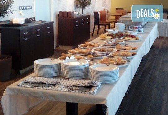 100 броя хапки в сет за Вашия модерен рожден ден в офиса или у дома от кулинарна работилница Деличи! - Снимка 4