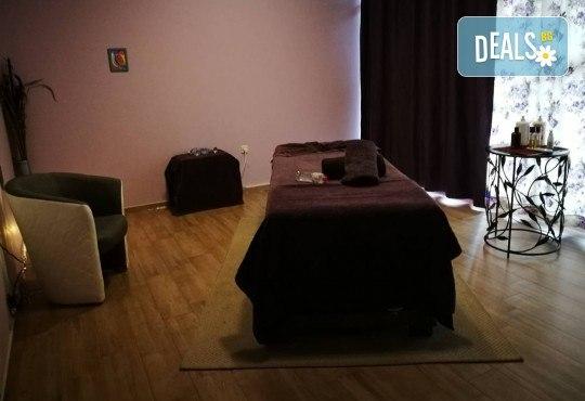 50-минутна лечебна терапия на гръб с арома масла + индийски масаж на глава в Масажно студио Адонай Елохай! - Снимка 4