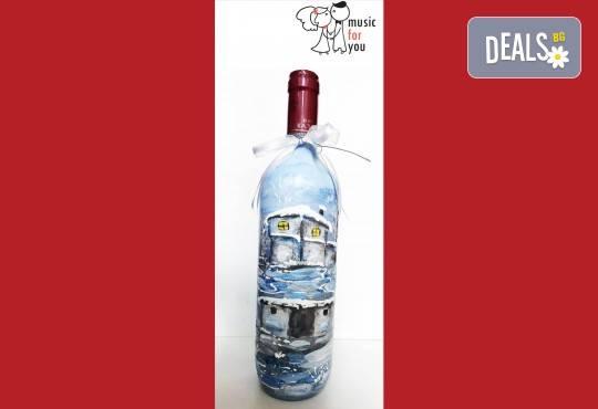 Подарък за празниците! Рисувана бутилка червено вино с празнична декорация + арт камбанка от Music for You! - Снимка 1