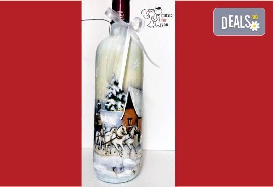 Подарък за празниците! Рисувана бутилка червено вино с празнична декорация + арт камбанка от Music for You! - Снимка 2