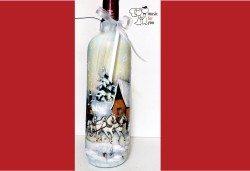 Подарък за Коледа! Рисувана бутилка червено вино с празнична декорация + арт камбанка от Music for You! - Снимка