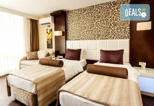 Посрещнете Нова година 2019 в хотел Tusan Beach Resort 5*, Кушадасъ, с Глобус Холидейс! Пакети с 3 или 4 нощувки на база All Inclusive, Новогодишна вечеря, възможност за транспорт - Снимка 2