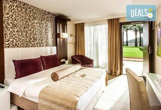 Посрещнете Нова година 2019 в хотел Tusan Beach Resort 5*, Кушадасъ, с Глобус Холидейс! Пакети с 3 или 4 нощувки на база All Inclusive, Новогодишна вечеря, възможност за транспорт - Снимка 4