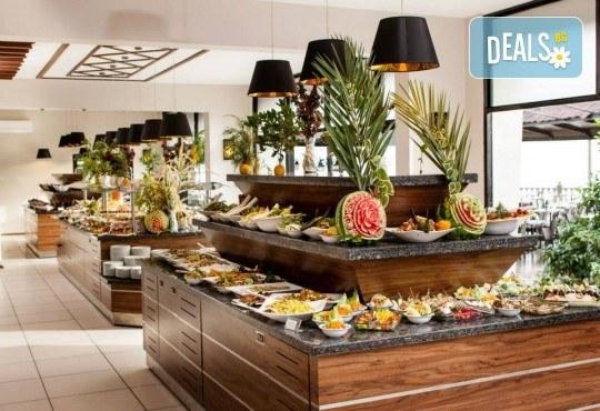 Посрещнете Нова година 2019 в хотел Tusan Beach Resort 5*, Кушадасъ, с Глобус Холидейс! Пакети с 3 или 4 нощувки на база All Inclusive, Новогодишна вечеря, възможност за транспорт - Снимка 6
