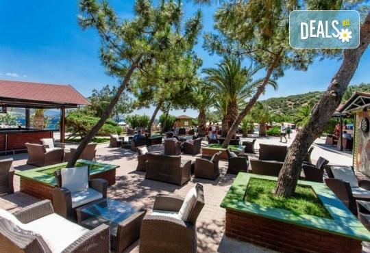 Посрещнете Нова година 2019 в хотел Tusan Beach Resort 5*, Кушадасъ, с Глобус Холидейс! Пакети с 3 или 4 нощувки на база All Inclusive, Новогодишна вечеря, възможност за транспорт - Снимка 11
