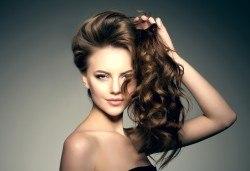 Чисто нова визия! Масажно измиване, подстригване и сешоар в салон за красота Noni Style - Снимка