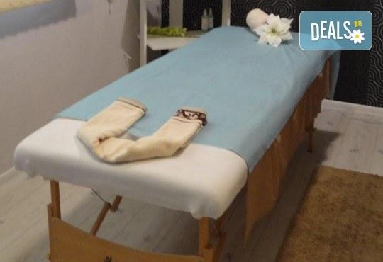 Поставяне на мигли по метода косъм по косъма или обемна техника 3D в Лазер Студио Аглеа! - Снимка 6