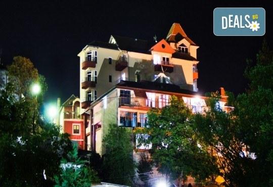 СПА уикенд през декември в Пролом баня, Сърбия! 1 нощувка със закуска и вечеря с жива музика, ползване на басейн, джакузи, сауна и парна баня! - Снимка 3