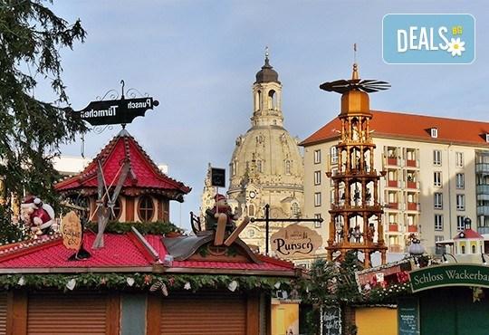 Коледна магия в Будапеща, Виена и Прага! 5 нощувки със закуски, транспорт, водач и възможност за посещение на Дрезден! - Снимка 18
