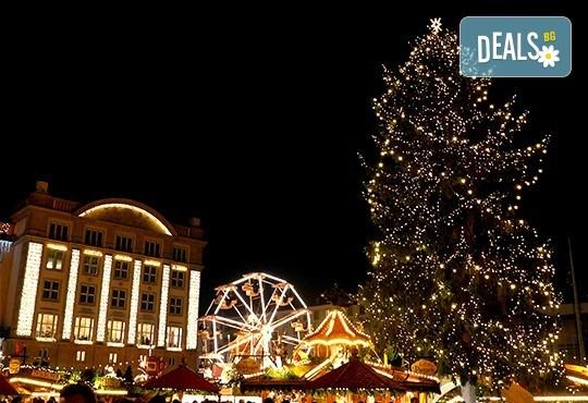 Коледна магия в Будапеща, Виена и Прага! 5 нощувки със закуски, транспорт, водач и възможност за посещение на Дрезден! - Снимка 17