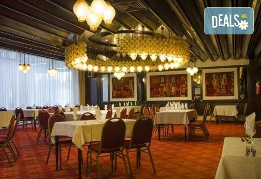 Посрещнете Новата 2019 година в Хотел Continental 4*, Скопие, Македония! 2 нощувки със закуски и възможност за транспорт! Предложение от Еко Тур! - Снимка 8
