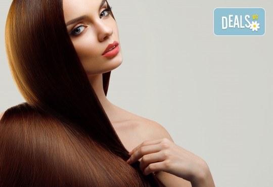 Масажно измиване, трайно изправяне с арган и терапия според нуждите на косата във фризьоро-козметичен салон Вили! - Снимка 2