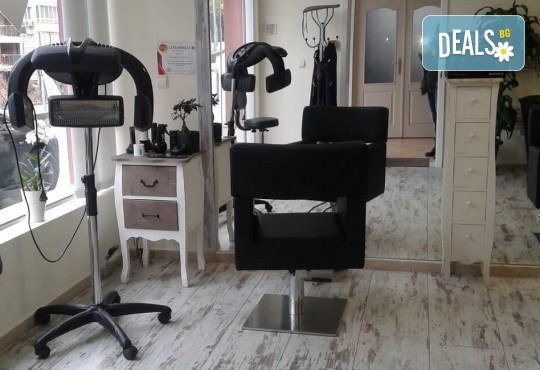 Гладка и свежа кожа! Водно дермабразио за лице и почистваща маска в салон за красота Алма Морел - Снимка 8