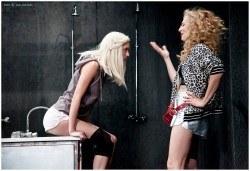 Гледайте комедията Килър Джо с Малин Кръстев на 12-ти декември (сряда) в Малък градски театър Зад канала! - Снимка