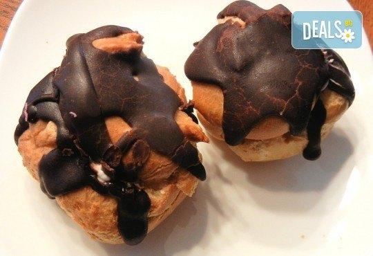 Апетитно и изгодно! 1 килограм хапки петит с шоколад от H&D catering! - Снимка 1