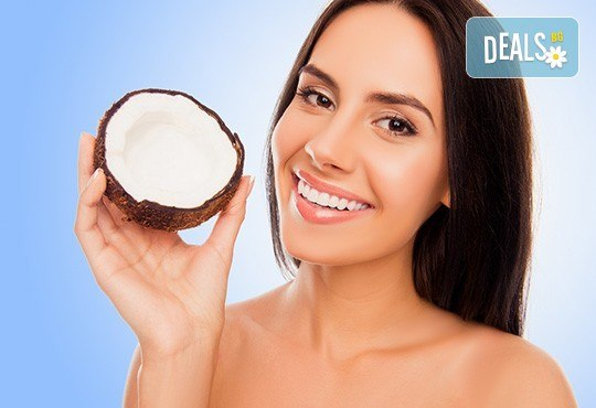 Дълбоко подхранване! Mасаж на лице с био кокосово масло и топла термична маска в козметично студио Ма Бел! - Снимка 1