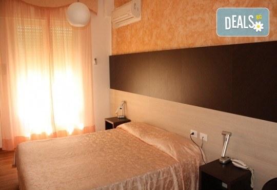 Ранни записвания за почивка в Лидо ди Йезоло, Италия, през 2019-та! 5 нощувки със закуски и вечери в хотел 3*, транспорт и водач! - Снимка 5