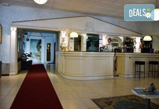 Ранни записвания за почивка в Лидо ди Йезоло, Италия, през 2019-та! 5 нощувки със закуски и вечери в хотел 3*, транспорт и водач! - Снимка 4
