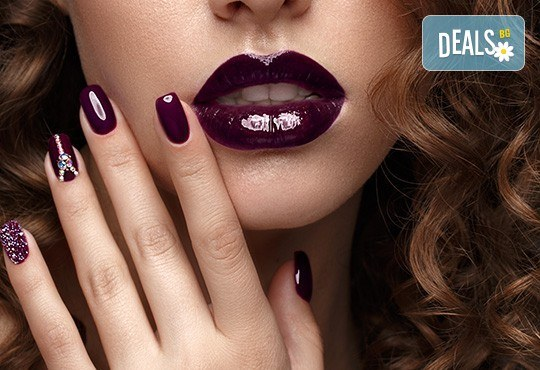 Заздравяване на естествен нокът чрез гел, специално съзаден да предпазва меките и чупливи нокти, и маникюр с гел лак и 2 декорации в студио за красота Jessica! - Снимка 2