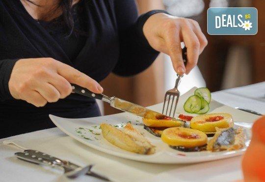 Нова година на Черногорската ривиера! 4 нощувки със закуски и вечери в Hotel Palma 4* в Тиват, транспорт и екскурзия до Дубровник и Котор! - Снимка 14