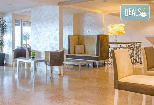 Нова година на Черногорската ривиера! 4 нощувки със закуски и вечери в Hotel Palma 4* в Тиват, транспорт и екскурзия до Дубровник и Котор! - Снимка 15