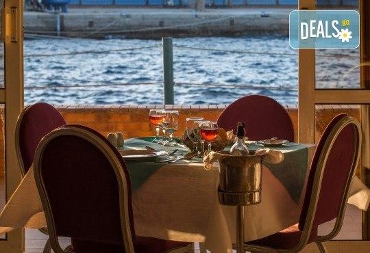 Петзвездна Нова Година в Египет, Хургада, в хотел Emerald Resort and SPA, с Дрийм Холидейс! Самолетен билет, 7 нощувки на база All Inclusive, трансфери - Снимка 5