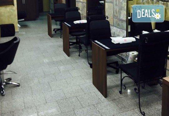 Почистване на лице и хидратираща терапия или терапия с фито-стволови клетки с козметика по избор от салон Incanto Dream в Студентски град! - Снимка 10