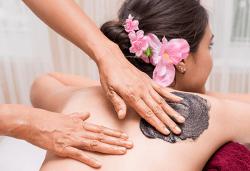 Детоксикираща термална маска на гръб и ръце с лечебна морска кал, минерални соли, витамини, водорасли и парафин + зонотерапия на стъпала в Anima Beauty&Relax! - Снимка